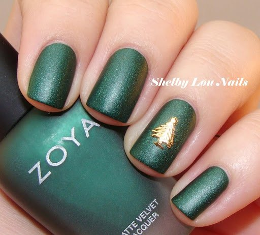 Green nails and gold Christmas tree nail design